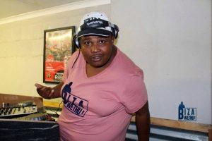 Cassper Lo ft. Mr Mandy, Avela & Sheshamore - Akh'Thando (uBizza Wethu Mix)